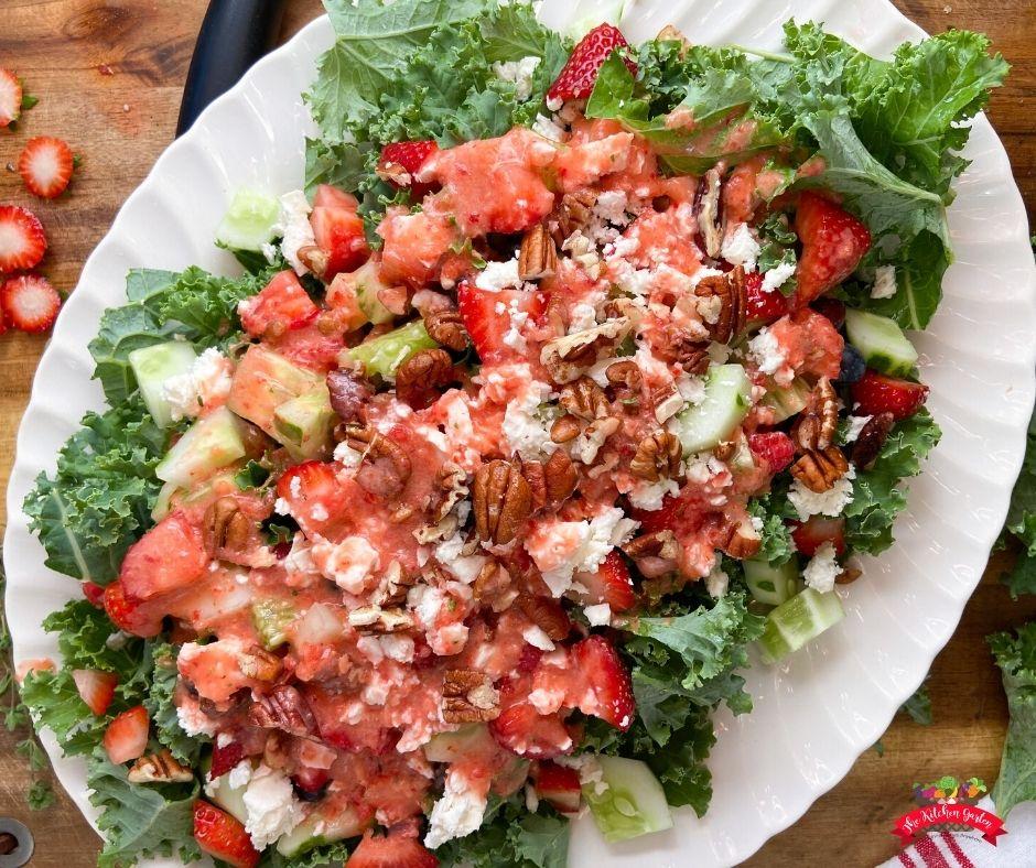 kale berry salad