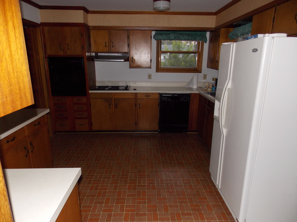 original outdated 1950s kitchen